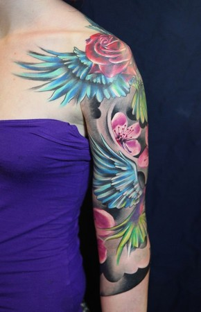 花臂玫瑰翅膀纹身图案图片
