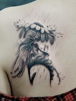 精灵纹身图案大全:肩部精灵翅膀纹身图案纹身图片
