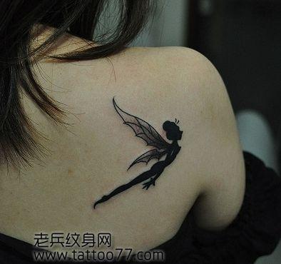 美女背部精美时尚的图腾精灵纹身图案