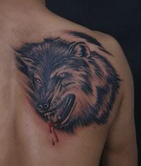 本店为来自新疆纹身爱好者打造的背部狼头纹身图案作品
