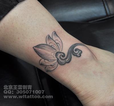 14:27:16 背部好看可爱的猫咪纹身图案 2012-04-20 14:22:00 腿部时尚