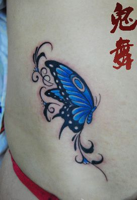 女孩子腹部好看的彩色蝴蝶纹身图案