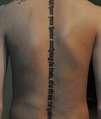背部英文纹身相关图片