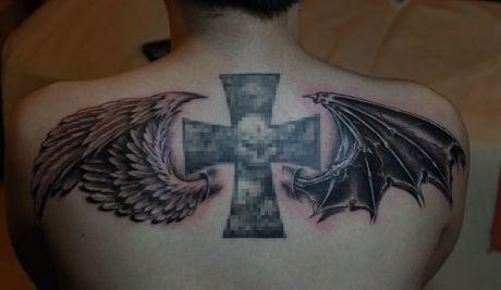 背部流行时尚的天使恶魔翅膀纹身图案